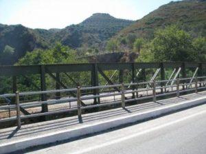 ניסו לגנוב גשר במשקל 15 טון, תופעה מוכרת בצפון יוון