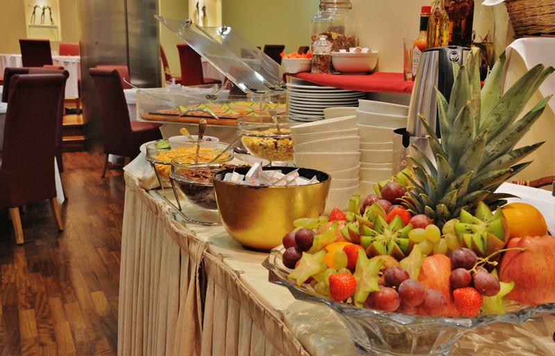 מסעדה במלון אקרופוליס סלקט