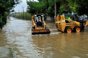 שטפונות ביוון: כבישים, בתים וחנויות מוצפות