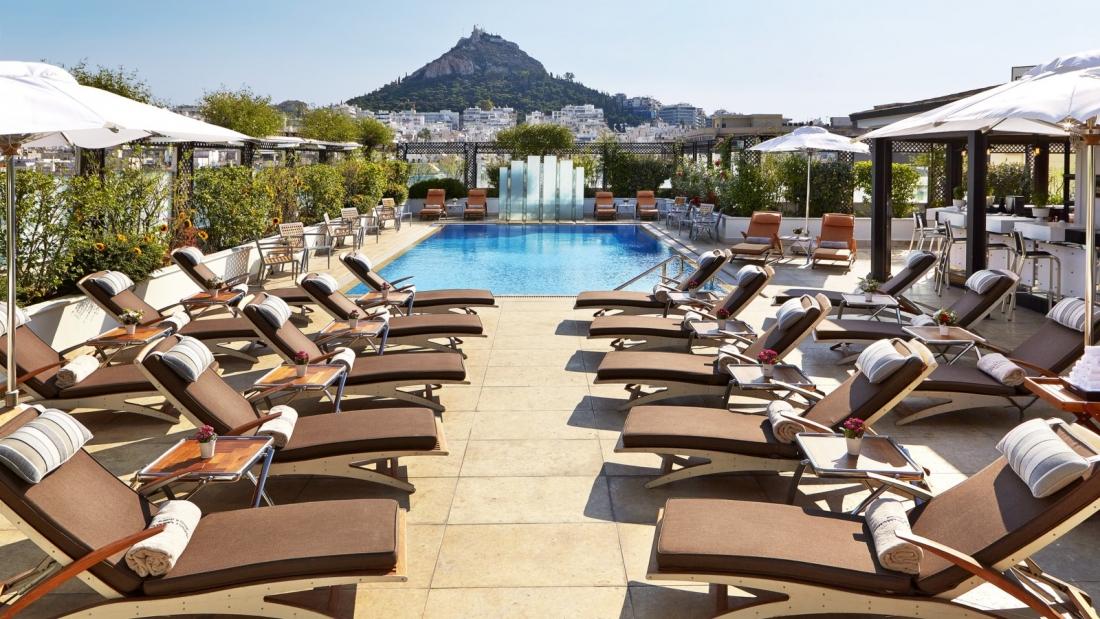 הבריכה במלון גראנד ברטאן