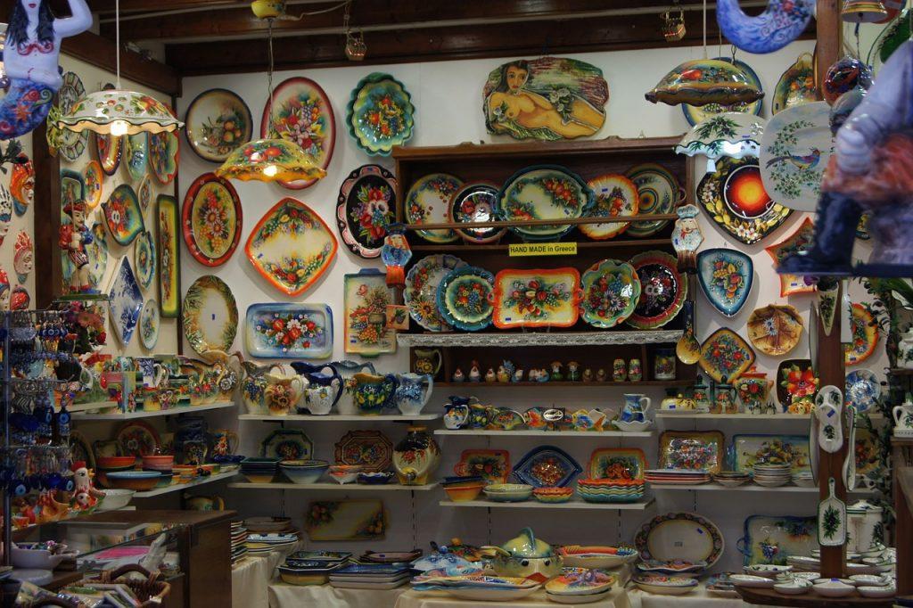 חנות קרמיקה ביוון