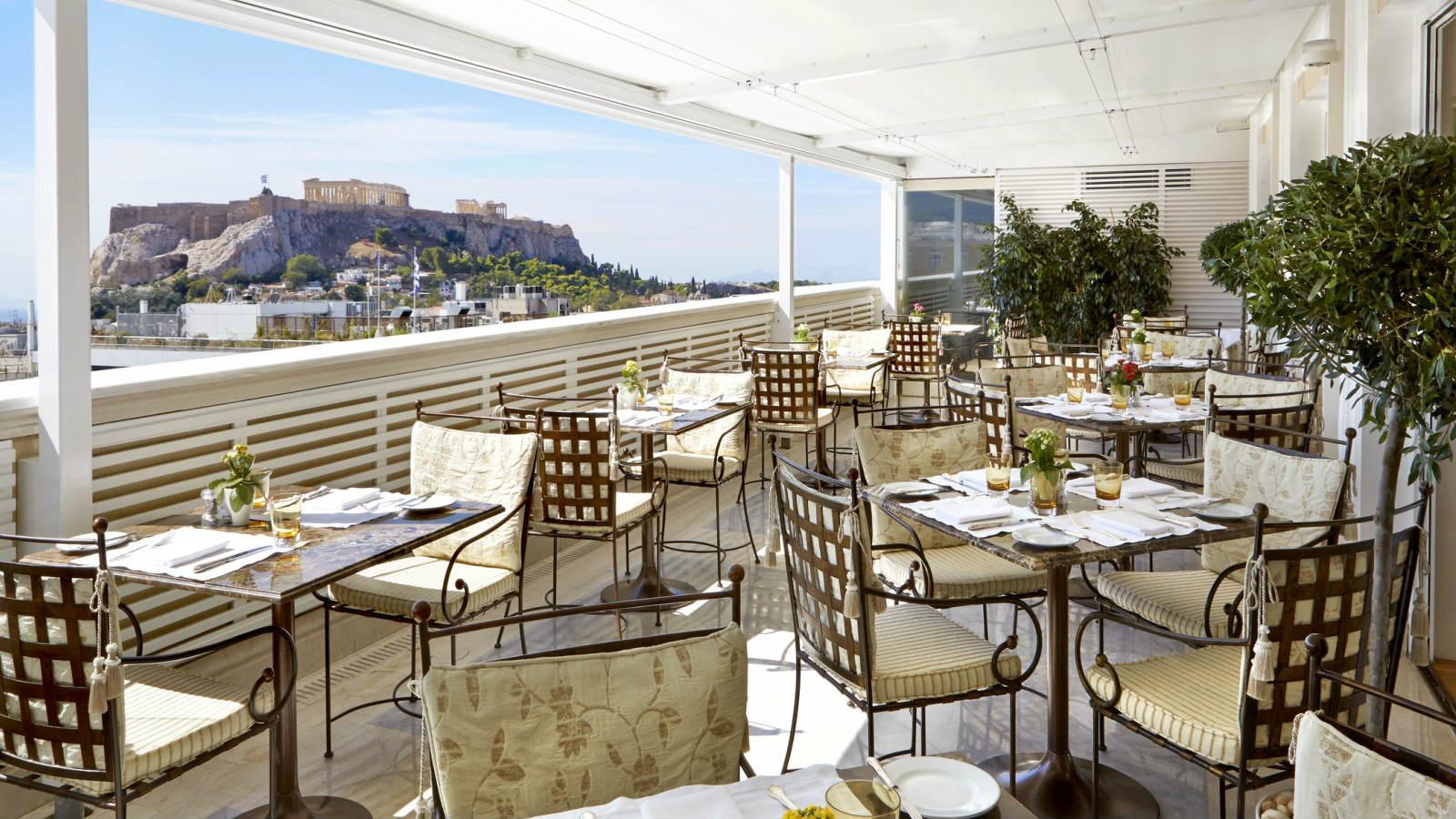 המסעדה עם נוף אל האקרופוליס