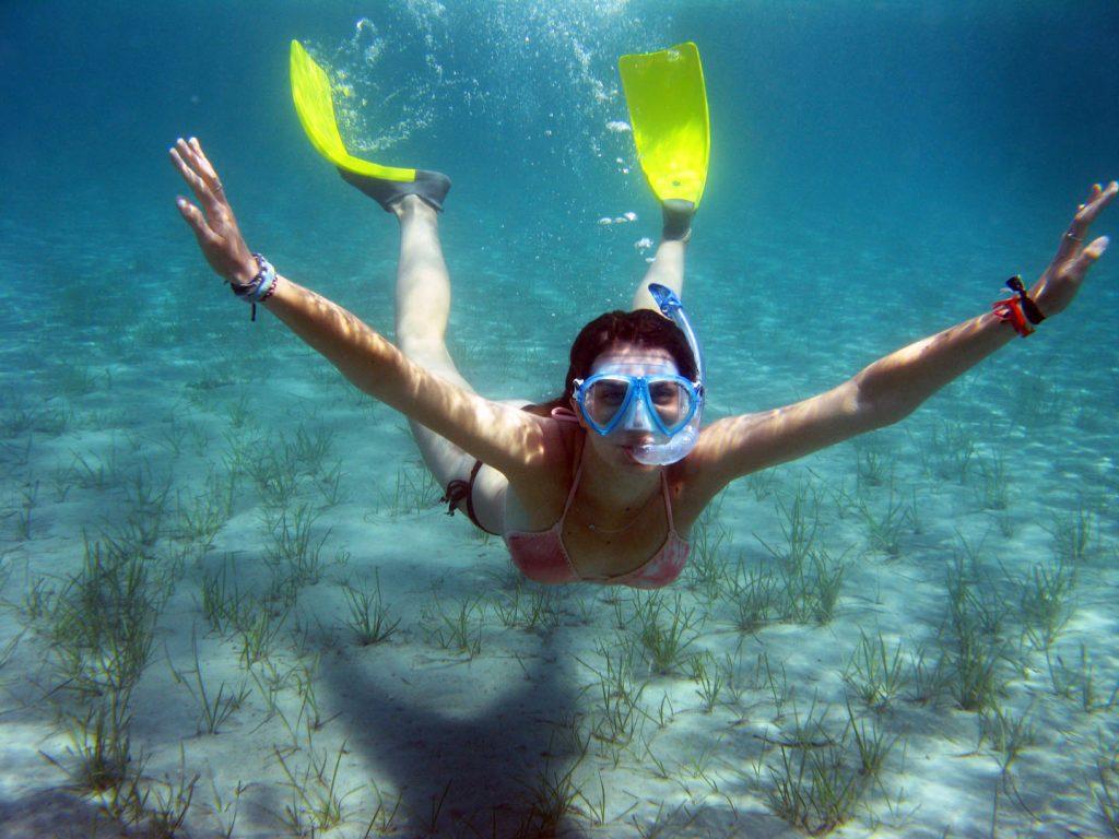 שנורקלינג ביוון - צלילה מתחת למים