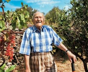 סטאמטיס מוראיטיס, בן 102