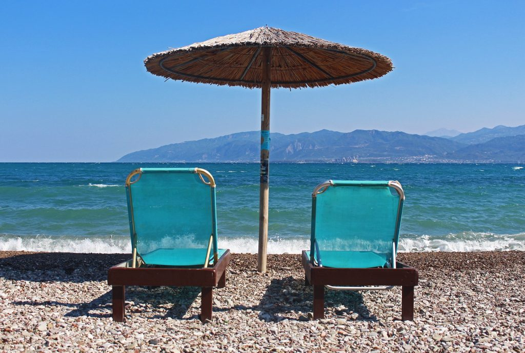 החופים ביוון ייפתחו מחר לציבור
